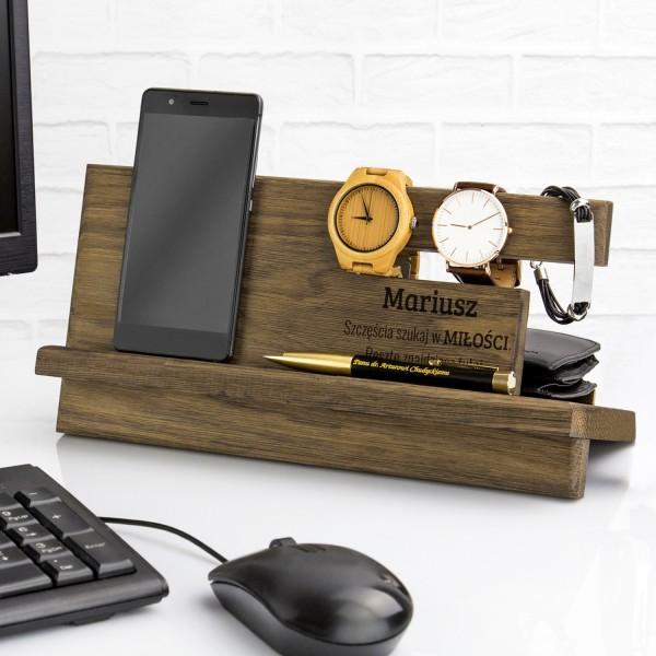 drewniany organizer na biurko z grawerem