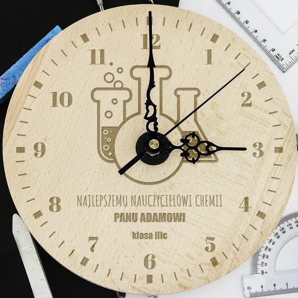 zegar z grawerem na prezent dla nauczyciela chemii
