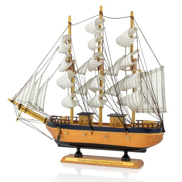 statek na prezent