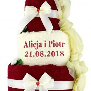 dwukolorowy tort z ręczników na 30 rocznicę ślubu z haftem daty i imion pary