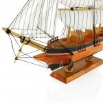 drewniany statek do biura
