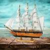 statek z drewna na prezent
