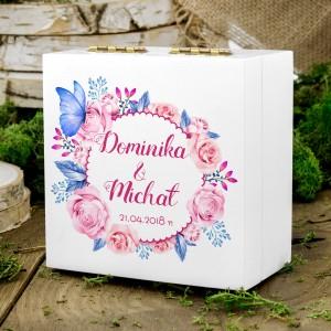 pudełko na obrączki białe wianek róż z imionami