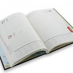 kalendarz personalizowany książkowy