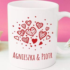 prezent dla zakochanych kubek serca z personalizacją