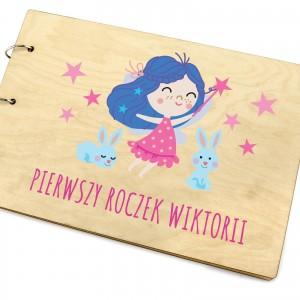 drewniany album na zdjęcia dla dziewczynki