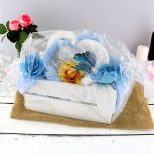 ręczniki w skrzynce ślubne łabędzie