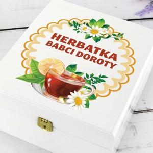 biała szkatułka z personalizacją herbatka babci
