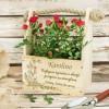 drewniana doniczka na kwiaty z grawerem ogród emerytki