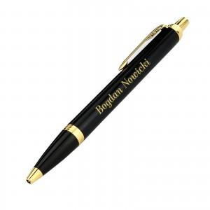 czarny grawerowany długopis Parker dla szefa