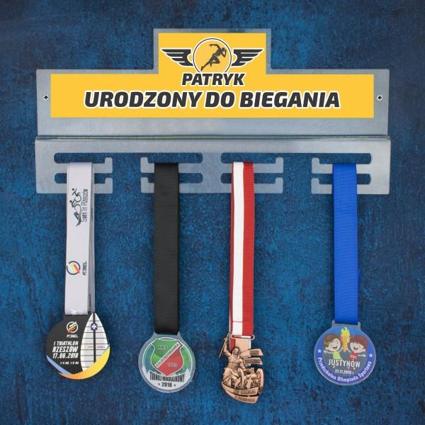 wieszak na medale dla biegacza z imieniem