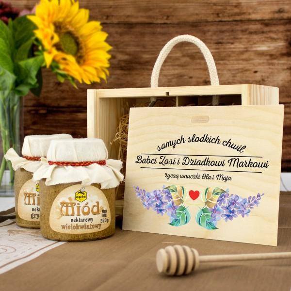 zestaw miodów w skrzynce z nadrukiem na prezent dla babci i dziadka