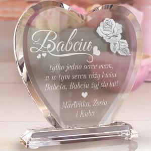 statuetka serce z grawerem na prezent dla babci róży kwiat