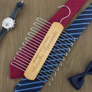 wieszak na krawaty z grawerem ukochany dziadek na prezent na dzień dziadka
