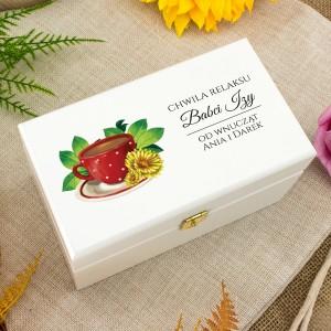pudełko na herbatę z dedykacją na prezent dla babci na urodziny
