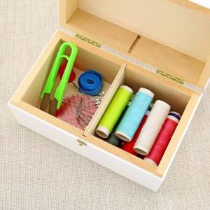 przybory do szycia w pudełku na prezent