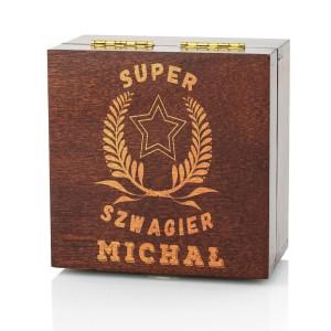 szkatułka z grawerem super szwagier na prezent