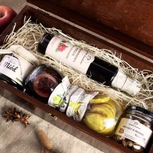 zestaw do herbaty w skrzynce z dedykacją na wyjątkowy prezent cytrynowa słodycz