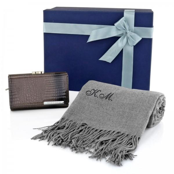 portfel i szalik w pudełku na prezent
