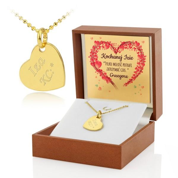 srebrny naszyjnik serce z grawerem w pudełku na prezent na walentynki