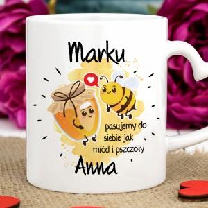 kubek z napisami Miód i Pszczoły na upominek dla chłopaka