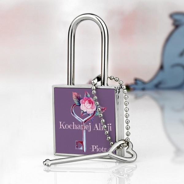 kłódka z kluczykiem i nadrukiem na prezent marzeń dla niej