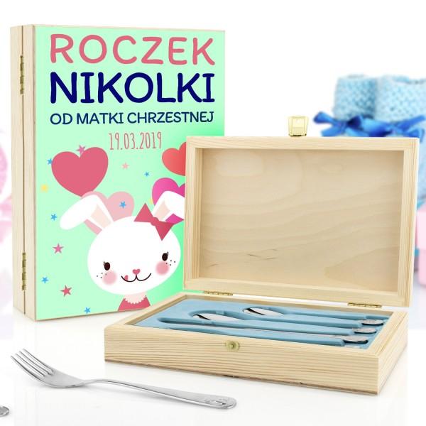 sztućce dla dzieci w szkatułce z kolorowym nadrukiem na prezent na roczek