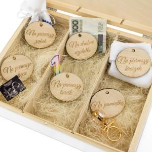 pudełko wspomnień z przegródkami na prezent na narodziny dziecka