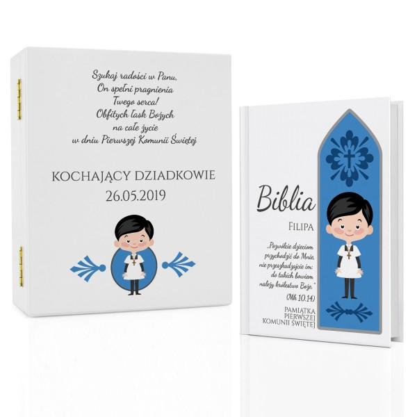 biblia z dedykacją na komunię w szkatułce