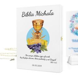 biblia w szkatułce z nadrukiem kielich bożej woli na oryginalny prezent na komunię dla chłopca