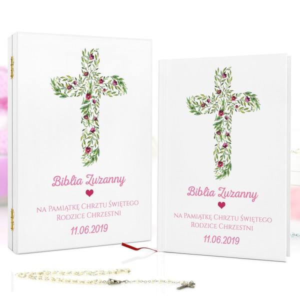 biblia dla dzieci w drewnianej szkatułce z dedykacją na prezent na chrzciny różowe kwiaty