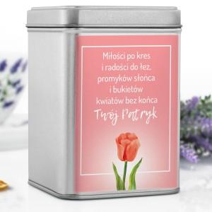 pudełko na herbatę z dedykacją dla uroczej damy na prezent na dzień kobiet