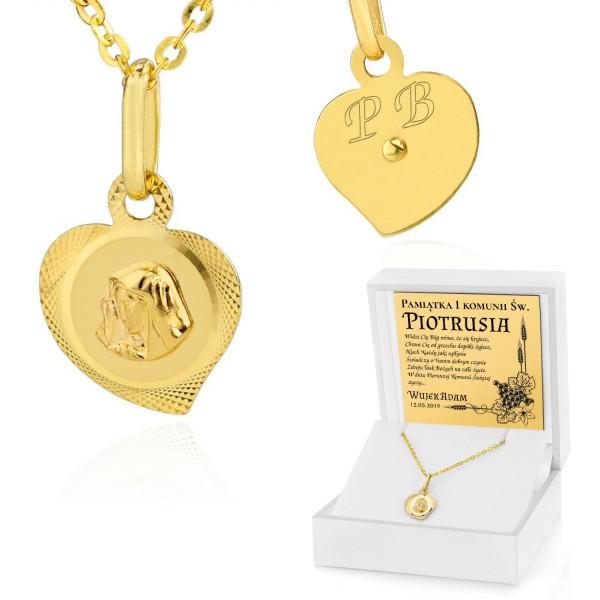 złoty łańcuszek z medalikiem dla dziewczynki w białym pudełku z grawerem