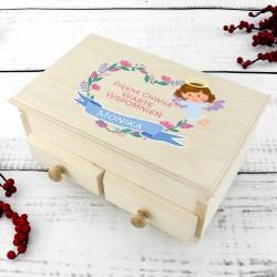 szkatułka na biżuterię z dedykacją na prezent na komunię dla dziewczynki