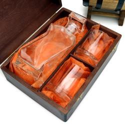 podziękowanie dla promotora karafka ze szklankami w drewnianym pudełku