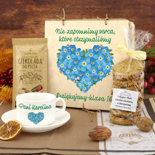 zestaw upominkowy na podziękowanie dla nauczyciela filiżanka z dedykacją i słodycze