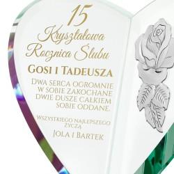 serce z grawerem i srebrną różą na prezent na rocznicę ślubu