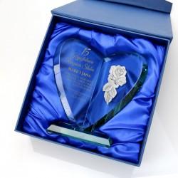 statuetka serce z dedykacją i różą na kryształowe gody