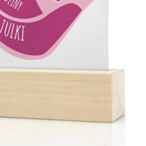 personalizowana statuetka na prezent dla dziecka różowe buciki