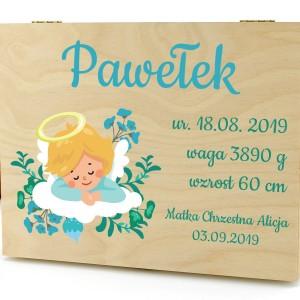 pudełko wspomnień z dedykacją na prezent na chrzest dla chłopca aniołek z metryczką