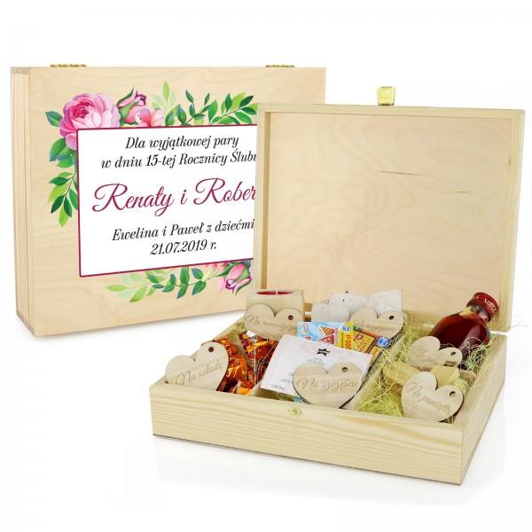 szkatułka upominkowa z nadrukiem piwonie na prezent na rocznicę ślubu dla znajomych