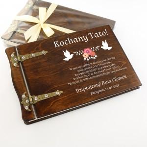 drewniany album z nadrukiem dedykacji gołębie na wyjątkowy prezent dla taty