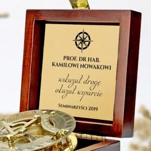 kompas z grawerem na prezent dla promotora