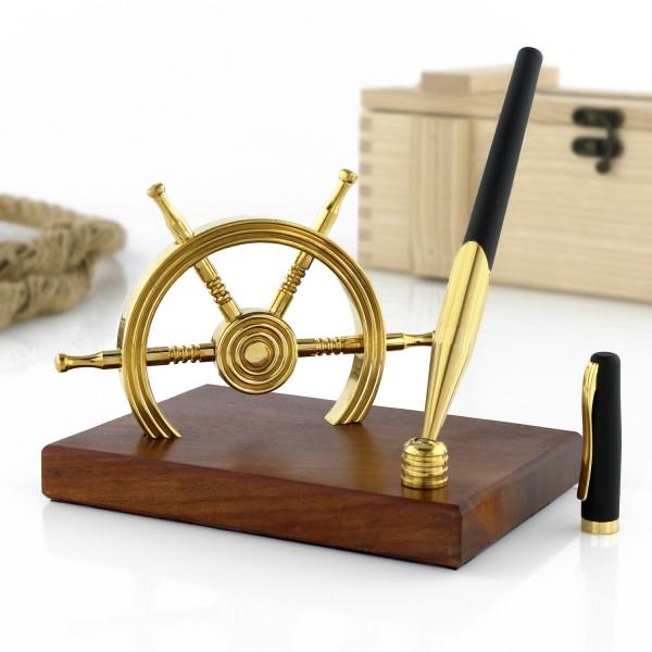stojak na długopis koło sterowe na upominek żeglarski