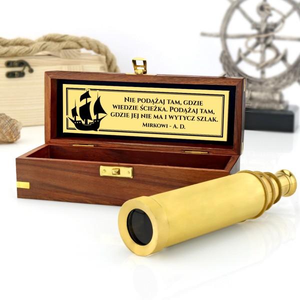 luneta kapitańska w pudełku z dedykacją na upominek żeglarski