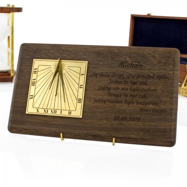 luksusowy zegar słoneczny z grawerem na prezent