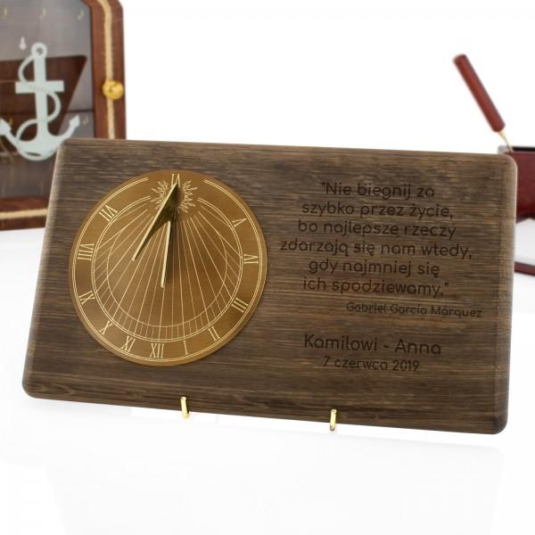 zegar słoneczny z grawerem na elegancki prezent