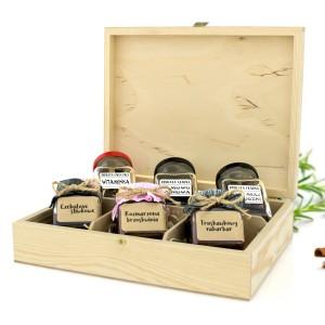 prezent na pożegnanie emeryta konfitury z herbaty w drewnianej skrzynce