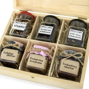 mini konfitury i herbaty na prezent dla koleżanki odchodzącej na emeryturę