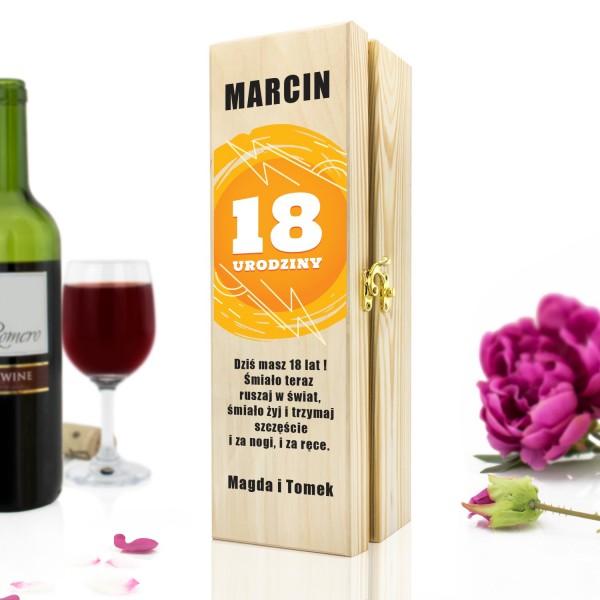 skrzynka na wino z dedykacją na fajny prezent na 18 na szczęście